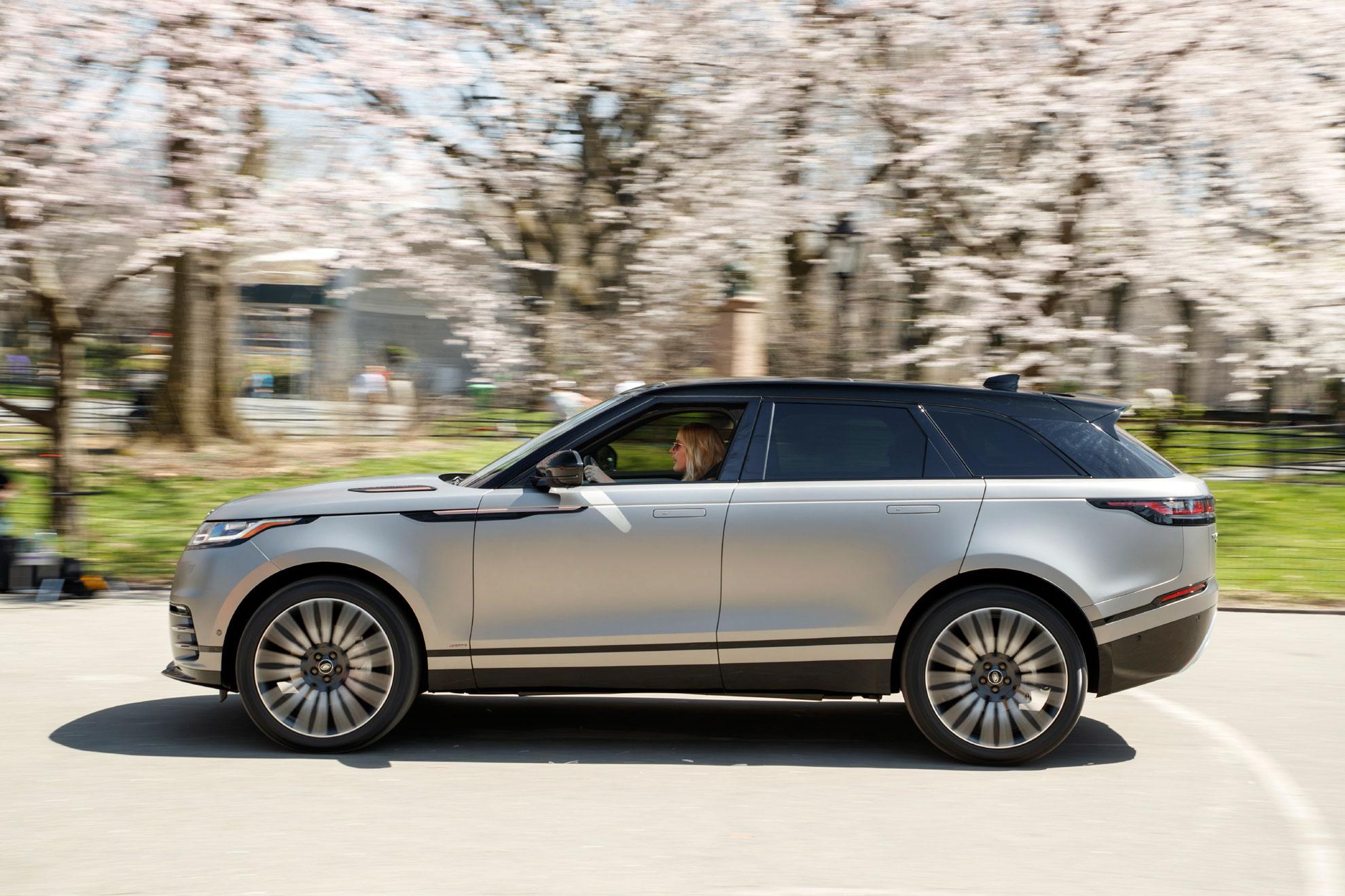 Η Elie Goulding οδηγεί το Range Rover Velar